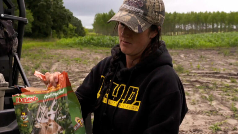 How to set up food plots for bowhunting