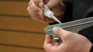 Read more about the article How To Fletch Arrows – Easton Archery – YouTube
